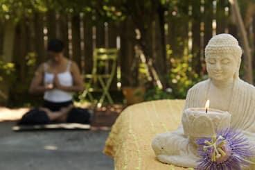 Yoga und Ayurveda sind zwei zusammen gehörige Jahrtausende alte Lehren.